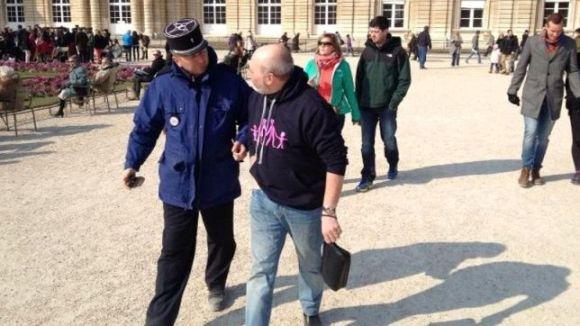 Во Франции арестованы десятки противников однополых браков