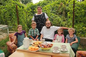 Борьба за семью с органами опеки в Беларуси: невозможное возможно