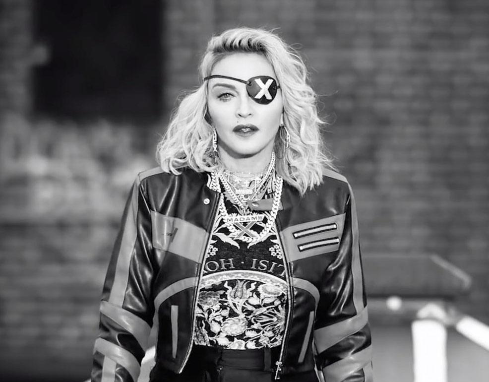 Мадонна использует аборты как средство поддержания популярности