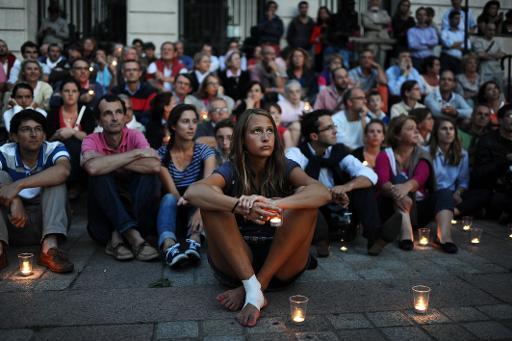 Париж: Защитники жизни и семьи зажигают свечи