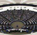 """В Латвии требуют отклонить европейскую резолюцию об """"альтернативных формах семьи"""""""