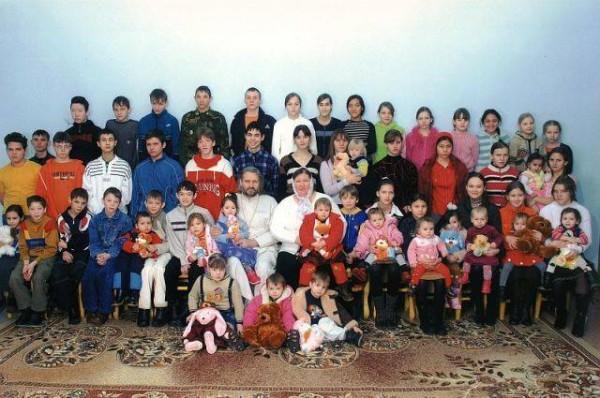 70 по лавкам. Самый многодетный отец России о сиротах, детдомах и семьях