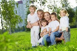 Минобразования: многодетные семьи и семьи верующих нельзя назвать благополучными