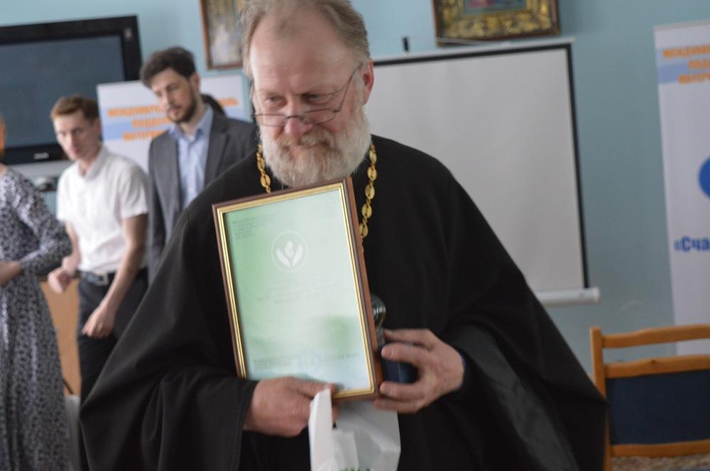 Отец Пётр Ткаченко: Мы работаем на самой крайней передовой