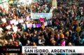 Сотни кормящих женщин вышли на улицы Буэнос-Айреса в защиту кормления грудью в общественных местах
