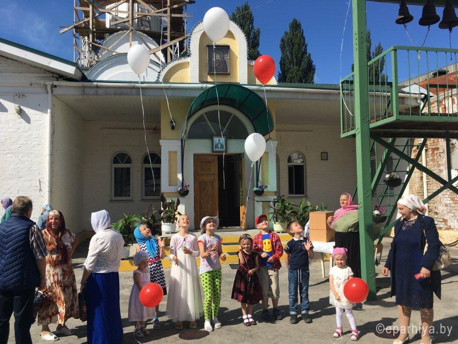 Во всех храмах Гомельской епархии тепло и ярко отметили День семьи, любви и верности
