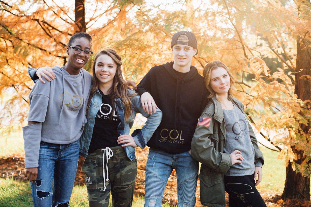 Создан бренд одежды в поддержку семейных ценностей и детской жизни