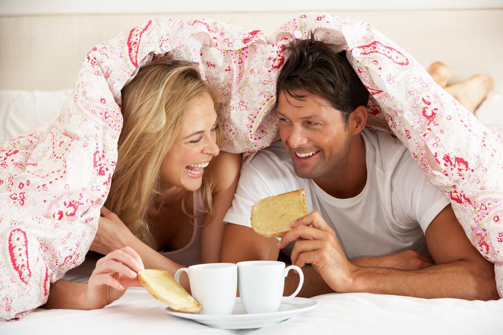 Что счастливые пары делают перед сном