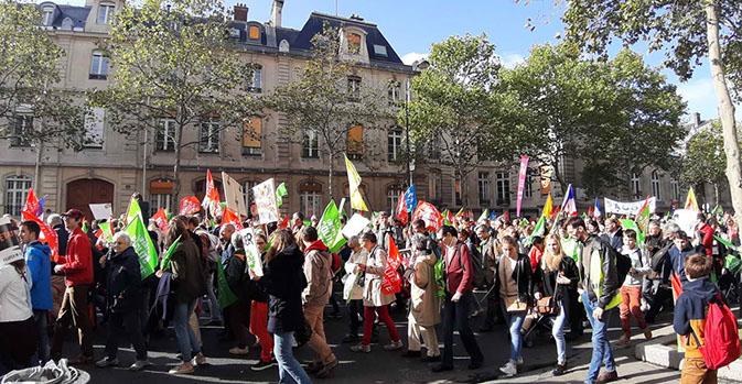 6 00 000 французских католиков вышли на марш против ЭКО  и в защиту отцовства