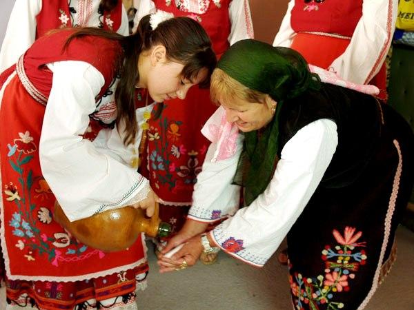Собор Пресвятой Богородицы и традиционный день акушерки