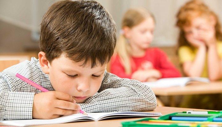 Клирик РПЦ: Уроки полового просвещения в младшей школе не нужны