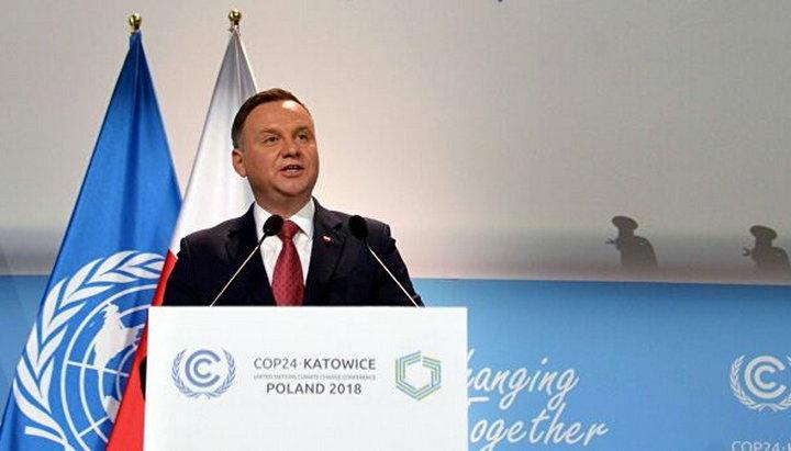 Президент Польши запретил усыновление детей однополыми парами
