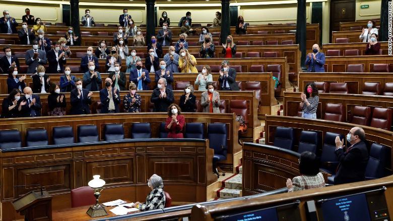 В Испании принят закон, легализующий эвтаназию