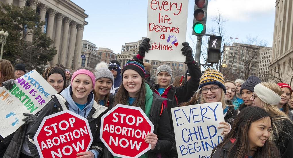 Американский штат принял закон о запрете абортов на сроке свыше 6 недель