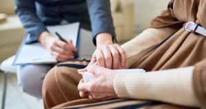 """Учёные выяснили, что желание """"умереть"""" у пожилых людей временно. Необходима помощь психиатра, а не эвтаназия"""
